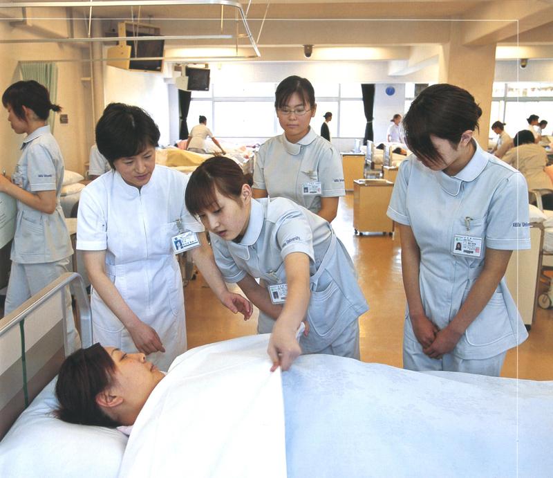 Nên học trường nào để trở thành điều dưỡng viên giỏi